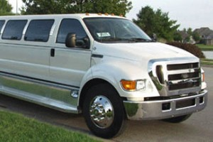 Ford 650 Limo Toronto, Ford 650 Limousine service in Mississauga ...